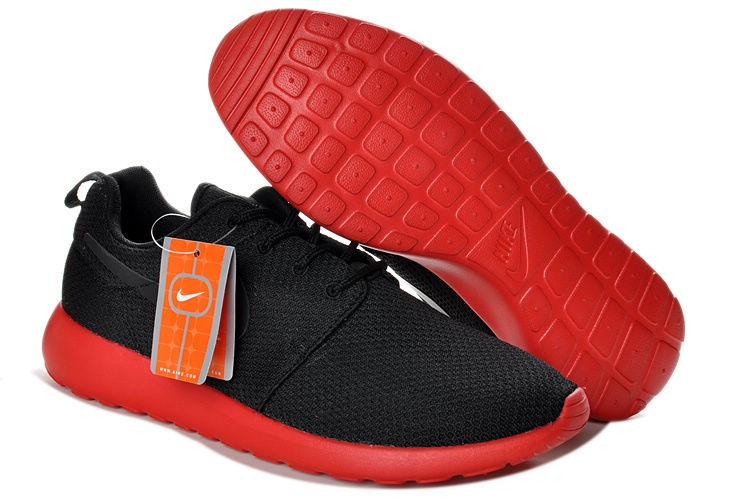 Nike Roshe Run Mesh Mens Trainers Black Red